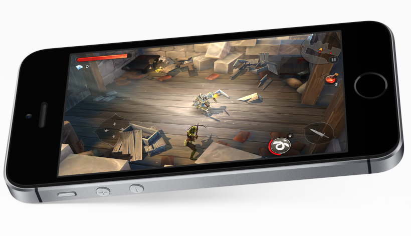 iPhone SE gaming