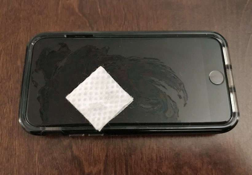 iPhone disinfection alcohol pad