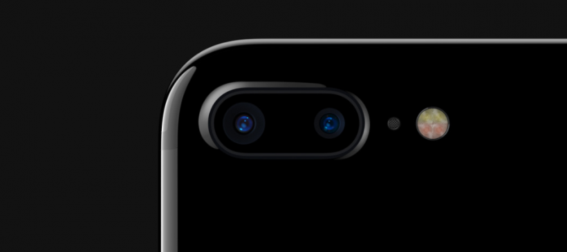 iPhone 7 Plus camera assembly