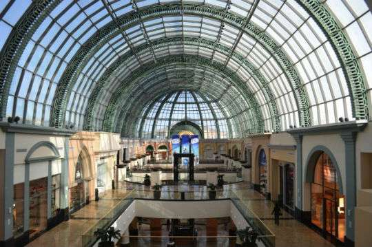 Apple's largest retail store will open in Dubai this summer.