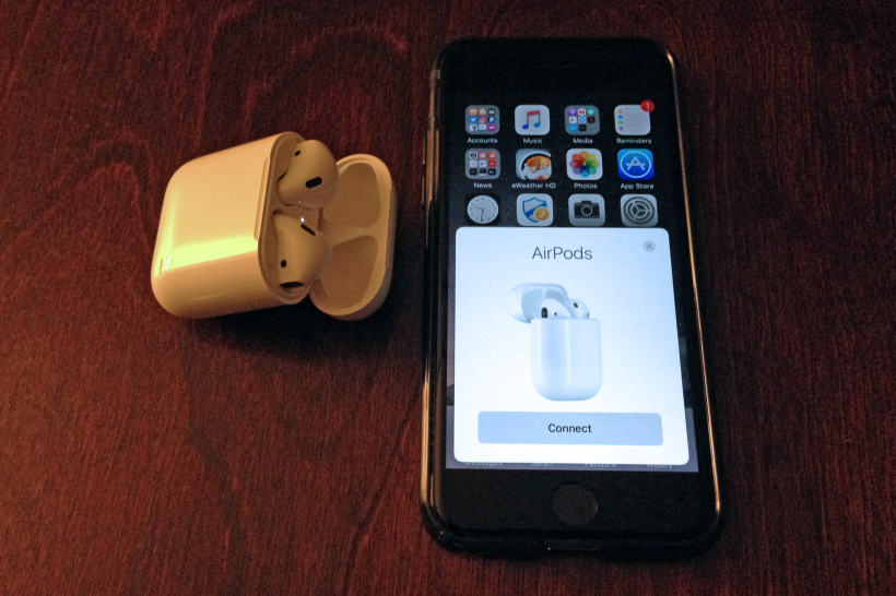 Pairing AirPods with iPhone 7