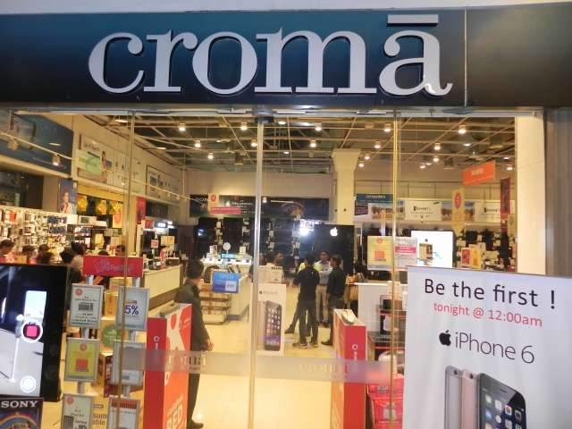 Apple to partner with Croma to establish retail presence in India.