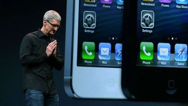 Tim Cook iPhone 5s