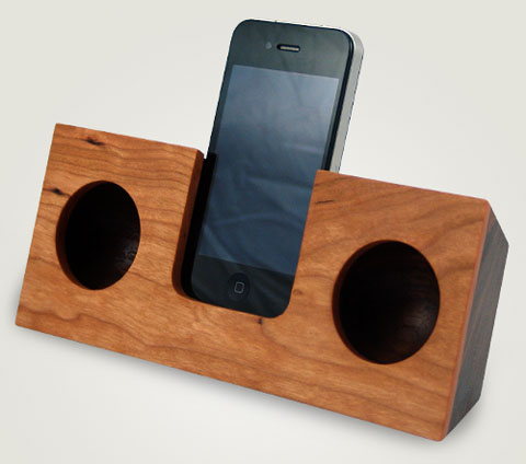 apple iphone wood dock koostic non-electric