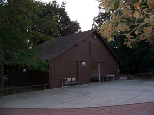Apple to save Glendenning Barn on Campus 2
